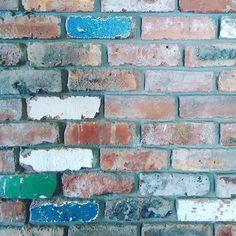 Mix it up a bit {: @jenstrydom } http://www.VintageBricks.com #1 supplier of reclaimed thin brick tiles