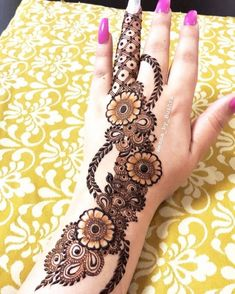 Hi everyone , welcome to worlds best mehndi and fashion channel Zainy Art . Hope You guys are liking my daily update of Mehndi Designs for Hands & Legs Nail . Floral Henna Designs, Back Hand Mehndi Designs, Latest Bridal Mehndi Designs, Full Hand Mehndi Designs, Mehndi Designs For Beginners, Mehndi Designs For Girls, Wedding Mehndi Designs, Dulhan Mehndi Designs, Mehndi Design Photos