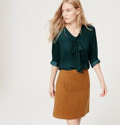 Tie V-Neck Blouse from the LOFT: loving the saturated color combination. Plus the blouse is beautiful and romantic. Tie Neck Blouse, Work Blouse, Retro Dress, Chic Outfits, Work Outfits, Capsule Wardrobe, Thumbnail Image, Business Casual, Teal Tie