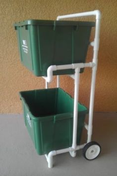 Pvc Recycle Bin Cart / Curbside Recycling Dolly, No Metal to Rust, No Paint to Peel Pvc Pipe Crafts, Pvc Pipe Projects, Home Projects, Diy And Crafts, Projects To Try, Pvc Recycling, Recycling Storage, Pvc Furniture, Kitchen Trash Cans