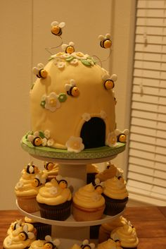 bee hive baby shower cake by davidandkate95, via Flickr