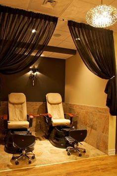 Boutique salon, home salon, nail salon decor, beauty salon decor, nail shop Nail Salon Decor, Beauty Salon Decor, Salon Interior Design, Salon Design, Spa Treatment Room, Home Salon, Spa Rooms, Salon Furniture, Massage Room