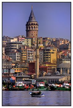 Look at the Galata Tower in Istabul! Isn't it amazing...gotta love good architecture. www.annjaneliving.com
