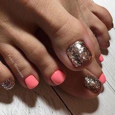 36 The Trend Toe Art Nail Designs In Summer - Allerecipe Glitter Toe Nails, Gel Toe Nails, Feet Nails, Toe Nail Art, Gel Toes, Pretty Toe Nails, Cute Toe Nails, Hair And Nails, My Nails
