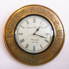 This vintage time piece is a reminiscent of a bye gone era..available in rustic brass plated and wooden finish..!!!