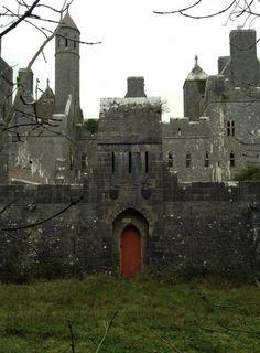 Dromore Castle, Ireland. Побудуй свій замок з конструктора http://eko-igry.com.ua/products/category/1658731