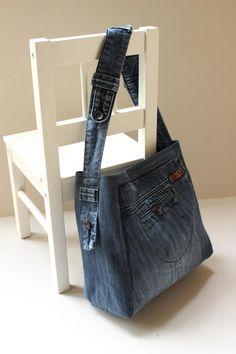 Recycled denim bag recycle design ready to go hobo bag recycle jeans denim bag shoulder bag navy blue denim bag code tania 01 Diy Denim, Artisanats Denim, Denim Crafts, Blue Denim, Navy Blue, Denim Skirt, Bag Jeans, Denim Tote Bags, Denim Purse