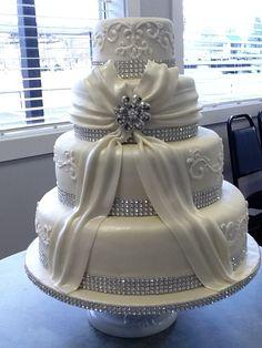 White Wedding Cakes 40 Simple White Wedding Cake Decorating Ideas For Inspiration Bling Wedding Cakes, Round Wedding Cakes, Amazing Wedding Cakes, Wedding Cake Decorations, White Wedding Cakes, Elegant Wedding Cakes, Elegant Cakes, Wedding Cake Designs, Wedding Ideas