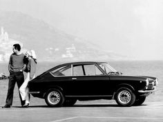 a Fiat 850 Coupe-1965 - 1968 Fiat 850, Fiat Abarth, Classic Italian, Modern Classic, Fiat Cars, Classy Cars, Steyr, Car Posters, Old Cars