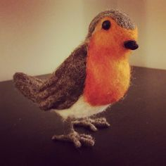 Needle felt Robin Bird Handmade felt craft sculpture