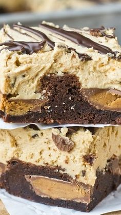 Reeses Stuffed Brownies Recipe ~ Reese's peanut butter cups stuffed inside soft, chewy brownies. Top the brownies with this unbelievable peanut butter frosting! I CANT EVEN Peanut Butter Cups, Peanut Butter Desserts, Peanut Butter Frosting, Butter Icing, Easy Desserts, Delicious Desserts, Dessert Recipes, Yummy Food, Desserts Menu