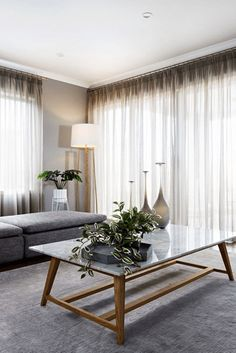 6 Inspiring Curtain Ideas For Your Living Room - Gardinen Lounge Curtains, Luxury Curtains, Home Curtains, Apartment Curtains, Gypsy Curtains, Living Room Modern, Home And Living, Living Room Decor, Curtain Ideas For Living Room