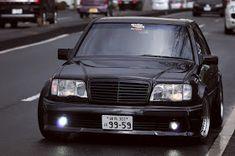 w124 amg Mercedes Benz 200, Old Mercedes, Mercedes E Class, Classic Mercedes, Amg Car, Mercedez Benz, Old School Cars, Dream Cars, Super Cars