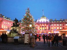 A Tour of London's Christmas Lights http://www.smittenbybritain.com/a-tour-of-londons-christmas-lights/#
