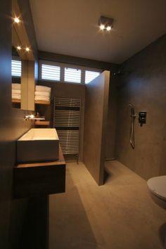 landelijke badkamer met beton cire look.   landelijke badkamers, Badkamer