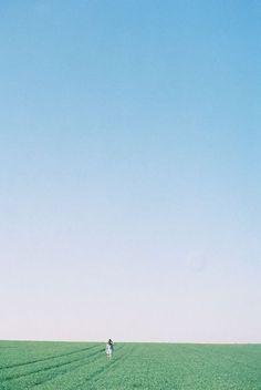 "astatos: "" (by ruhkaya) "" Blue Aesthetic, Aesthetic Photo, Minimal Photo, Japanese Photography, Minimalist Photography, My Neighbor Totoro, Plein Air, Film Photography, The Dreamers"