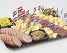 Afbeeldingsresultaat voor kaas en worst hapjes