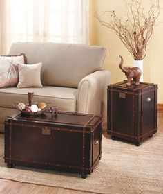 Classic Steamer Trunk Chest Coffee Table/ End Tables Espresso Furniture Set Chest Furniture, Living Room Furniture, Furniture Sets, Book Furniture, Furniture Storage, 3 Piece Living Room Set, Living Room Sets, Trunk Side Table, Side Tables