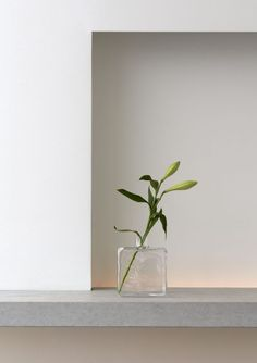 New vase Cube by Carina Seth Andersson for Skruf Home Interior, Modern Interior Design, Interior Decorating, Minimal Photo, Photo Deco, Hm Home, Minimalist Photography, Minimalist Living, Minimalist Lifestyle