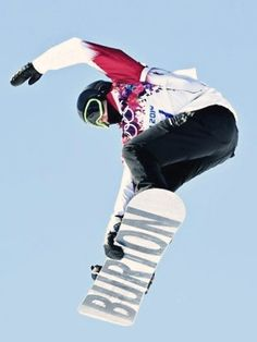 he is amazing. he was the first person ever to land the Triple Backside 1440 Cork. In my opinion he is better then Shaun white ever was. Mark Mcmorris, Shaun White, Winter Games, National Treasure, Attractive People, You Look Like, Olympic Games, Snowboarding, Athletes