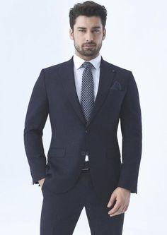 Turkish Men, Turkish Beauty, Turkish Actors, Alina Boz, Vogue Men, Fashion Outfits, Mens Fashion, Fasion, Work Casual