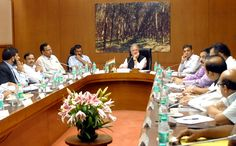 Sachaa News   New Delhi [India], Oct.5 : On the directions of Supreme Court, Lt. Governor Najeeb Jung today chaired a meeting at his offi...