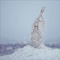 cool, pale, blue, skintones, winter, snow
