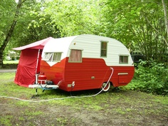 red vintage caravan...nice.