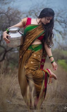 Indian hot model - Indian hot and sexy girls Beautiful Girl Photo, Beautiful Girl Indian, Most Beautiful Indian Actress, Beautiful Saree, Beautiful Lips, Indian Photoshoot, Saree Photoshoot, Photoshoot Fashion, Girl Pictures