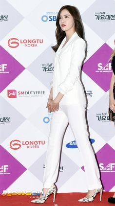 Girls' Generation at the red carpet event of the 2015 SBS' Gayo Daejun ~ Wonderful Generation