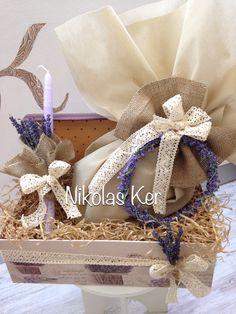 Πασχαλινό κουτί με λεβάντες, σοκολατένιο αυγό & λαμπάδα. www.nikolas-ker.gr Easter Projects, Easter Ideas, Easter Candle, Baptism Ideas, Button Art, One And Other, Burlap Wreath, Whimsical, Bridal Shower