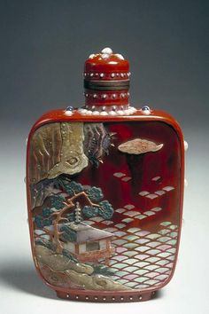 Snuff bottle from Asian Art Museum Online Collection Bottle Box, Potion Bottle, Antique Perfume Bottles, Vintage Bottles, Asian Art Museum, In Memory Of Dad, Small Bottles, China Art, Objet D'art