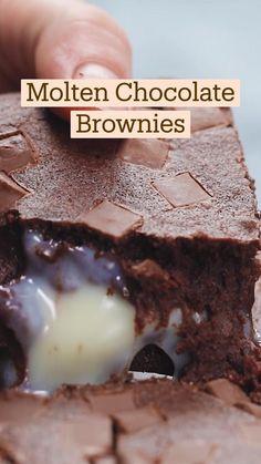 Fun Baking Recipes, Sweet Recipes, Snack Recipes, Dessert Recipes, Snacks, Fun Desserts, Delicious Desserts, Yummy Food, Brownie Recipes