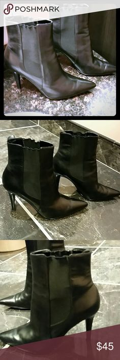 Ralph Lauren Vintage Black Leather boots.Size7. Ralph Lauren Vintage Sharp Pointyed Chelsea Ankle Black Leather boots with 3.75 inches heel.  RALPH LAUREN Black Leather Ankle Boots Pointed toe, narrow heel. Has been worn couple  of times in an excellent condition. Size7. Ralph Lauren Shoes Ankle Boots & Booties