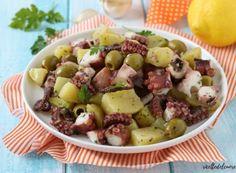 Insalata di polpo e patate Fruit Salad, Salad Recipes, Potato Salad, Salads, Ethnic Recipes, Food, Blue Cheese Sauce, Kale Avocado Salad, Cheese Recipes