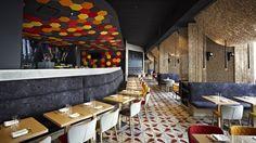 Jaleo by Chef Jose Andres serves authentic Spanish cuisine including tapas, paella, sangria and more. Best Brunch Places, Best Places To Eat, Woodbury Kitchen, Washington Dc, Southern Restaurant, Espace Design, Home Design, Interior Design, Tapas Bar