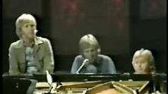 Harry Nilsson - Medley (The Music Of Nilsson, 1971), via YouTube.