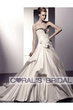 two-tones-ivory-and-black-wedding-dress-wd10169.jpg (400×600)