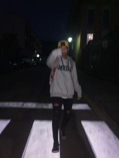 Bad Boy Aesthetic, Aesthetic Grunge, Dark Photography, Photography Poses, Pretty Boys, Cute Boys, Grunge Teen, Cute Korean Boys, Night Vibes