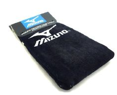 Mizuno tri-fold clip towel(21x16) black/wht by Mizuno. $14.95. Mizuno Tri-Fold Golf Towel...As Used On The PGA Tour! Mizuno Tri-Fold Golf Towels feature: As used by Mizuno's Tour Ambassadors Made from super absorbent 100% cotton velour Towel offers a large surface cleaning area Easy access tri-fold design with clip attachment Mizuno and Runbird logo near the top of the towel Size: 22 x 16 Colors: Black/White Staff Blues Mizuno...Serious Performance!. Save 17% Off!