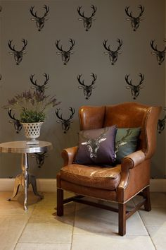 A luxurious stag wallpaper designed by Lisa Bliss. Fabulously majestic stag wallpaper design, printed to a teal wallpaper. Stag Wallpaper, Print Wallpaper, Wallpaper Roll, Tartan Wallpaper, Funky Wallpaper, Wallpaper Lounge, Wallpaper Patterns, Wallpaper Designs, Animal Wallpaper
