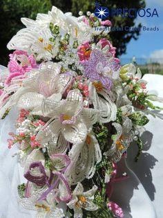 Bouquet sposa realizzato a mano con fiori di perline French beaded flowers Bridal bouquet www.dolcicreazioni.it
