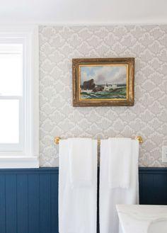 Our Classic Modern Master Bathroom Reveal – Emily Henderson Emily Henderson Modern English Cottage Tudor Master Bathroom Reveal Best Bathroom Tiles, Modern Master Bathroom, Bathroom Tile Designs, Bathroom Wallpaper, Bathroom Design Small, Neutral Bathroom, Beach Bathrooms, Bathroom Plants, Transitional Bathroom