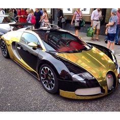 Best #veyron #bugatti ever ? #crazy #carporn #carspotting #amazin  For more follow @supercarspots63