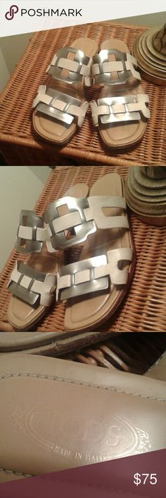 TODS Silver and White Leather Sandals 37.5 This sandal is in good condition wear is on the sole and the insole is crease otherwise good usable condition. Tod's Shoes Sandals