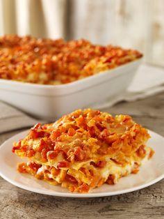 Lasagne aus Nudeln, Kürbis, Tomaten und nach Belieben auch Hackfleisch