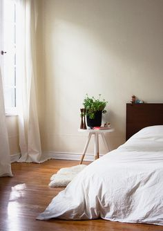 dreamy, low bed