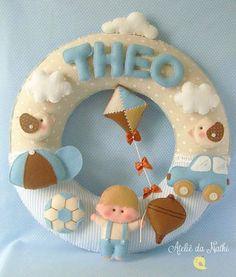 Baby name room decor Felt Wreath, Felt Garland, Felt Ornaments, Felt Crafts, Diy And Crafts, Arts And Crafts, Baby Nursery Decor, Baby Decor, Baby Kranz