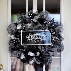 Spurs wreath