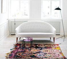 absolutely gorgeous white sofa